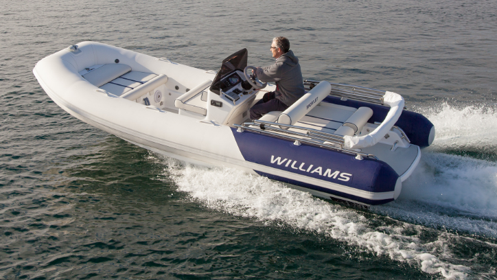 A boat with Williams logo