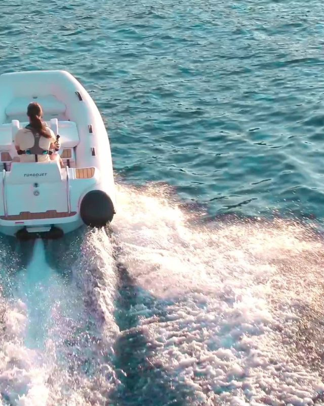 'Just because' is a good enough excuse for us when it comes to taking the TurboJet 325 out for a spin. With it's 90hp BRP Rotax ACE providing a top speed of 48mph and the performance hull delivering supreme handling, what other reason do you need? #WilliamsJetTenders  . . . #yacht #yachtlife #yachting #yachts #superyacht #yachtclub #yachtlifestyle #luxuryyacht #megayacht #yachtworld #yachtinglifestyle #yachtinglife #superyachts #yachtweek #yachtstyle #yachtingworld #luxuryyachts #instayacht #yachttender #superyachtlife #yachtieworld #theyachtweek #boatlife #boats #boating #boat #boatinglife